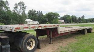 Step Deck Trucking